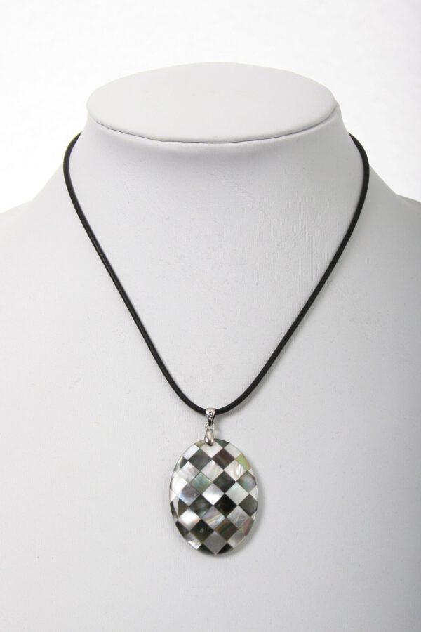 perlen, beads, kette, Geschenk, einreihig, Perlen, eleganter Schmuck, jewelerys, weiße Perlen, edler Schmuck, modern Jewels,kautschuk, Perlmutt, Blume Perlmuttblume, Muschel, Muschelblume