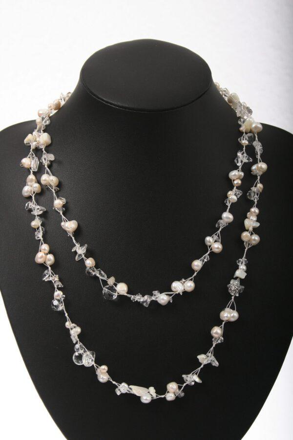 Perlenkette, Kristallkette, mehrreihig, zweireihige Perlenkette, Schalkette, Geschenkidee, Perlengeschenk, Geburtstagsgeschenk, weiße Perlenkette, Designerkette, Schmuck, jewelerry, Kulturperlen